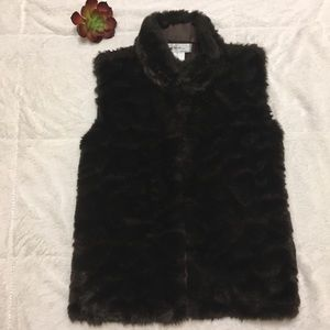 KIKIT Faux Fur sweater vest. S